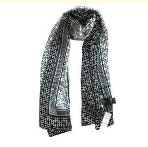 WHBM Beautiful scarf
